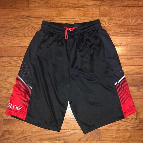 Men s Nike Elite Basketball Shorts Size Medium 🔥.  M 5bec9892aa571974d230549b 959567d20
